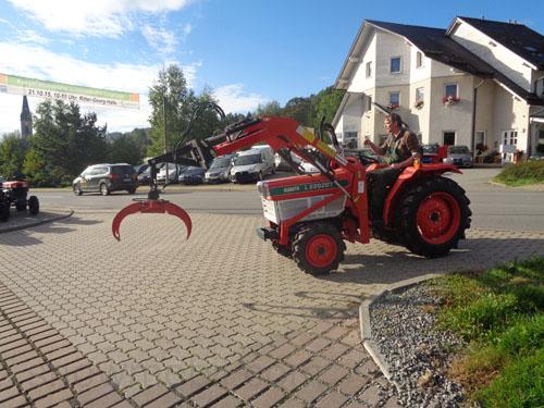 kleintraktor allrad traktor kubota b1820dst 18 0ps. Black Bedroom Furniture Sets. Home Design Ideas