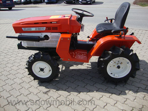 Compact Tractor Kubota B1200 With 4wd Used Completely