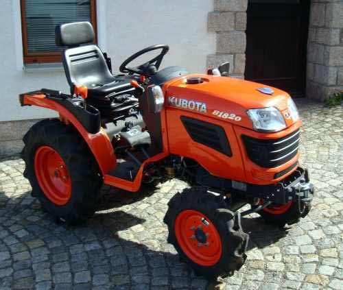 kleintraktor allrad traktor kubota b1820 18 0ps. Black Bedroom Furniture Sets. Home Design Ideas