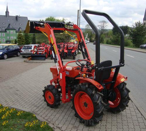 kleintraktor allrad traktor kubota l1501dt frontlader. Black Bedroom Furniture Sets. Home Design Ideas