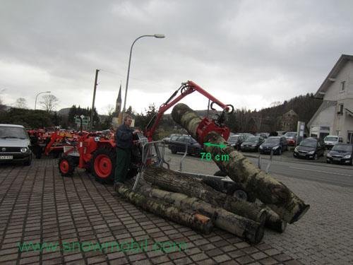 Rückewagen für Baumstämme mit großer Greiferöffnung