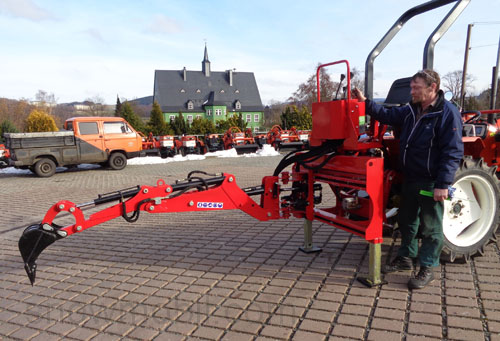 excavator / earthmover/ digger backhoe HB22S, rear actor for