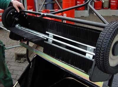 rasenkehrmaschine sweeper f r rasentraktoren und. Black Bedroom Furniture Sets. Home Design Ideas