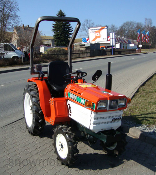 traktor schlepper allrad kubota b1702 gebraucht neu. Black Bedroom Furniture Sets. Home Design Ideas