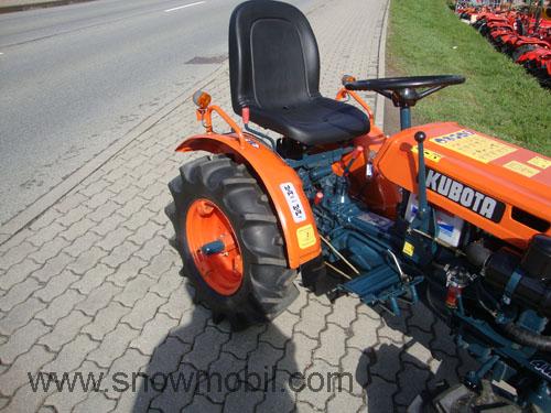 traktor schlepper kubota b5000 allrad neu lackiert und. Black Bedroom Furniture Sets. Home Design Ideas