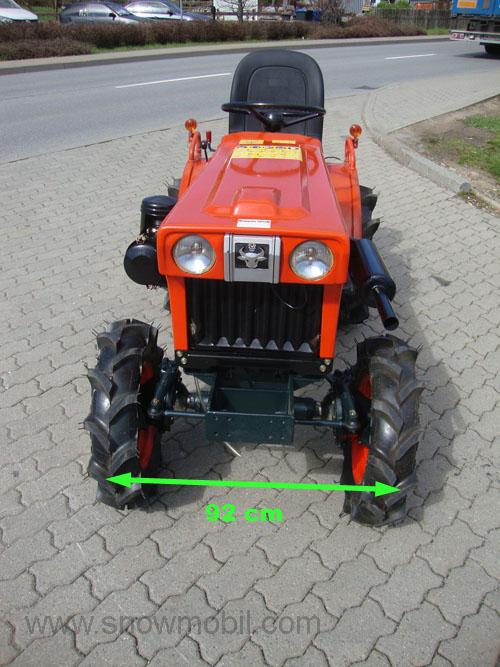 kleintraktor allrad traktor kubota b6001 neu lackiert. Black Bedroom Furniture Sets. Home Design Ideas