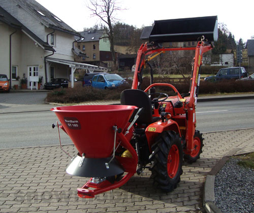 Broadcast spreader Nordfarm ST180 for small tractors (seed